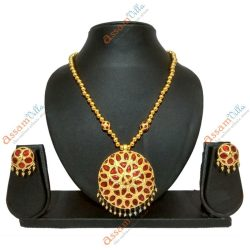 Medium Size Jaapi Pendant Assamese Jewellery Set